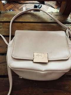 ❤ H&M Sling Bag ❤