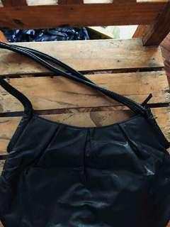 ❤ Vinanson Shoulder Bag ❤