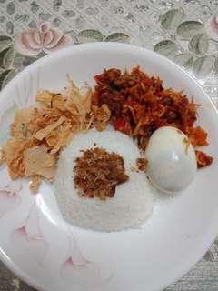 Masakan Warteg / Makanan Indonesia / Nasi Uduk