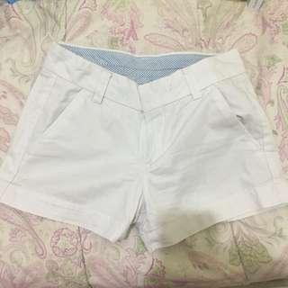 Uniqlo hotpants celana pendek putih