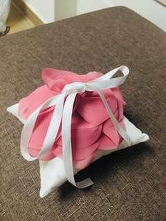 花花戒指枕