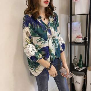 [T30001] Hawaiian Prints Buttoned Shirt with Lace Sleeves.