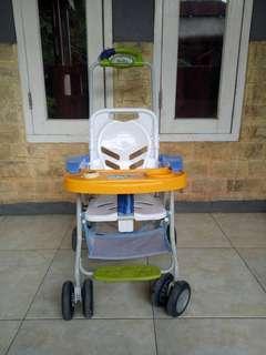 Stroller sekaligus kursi makan bayi