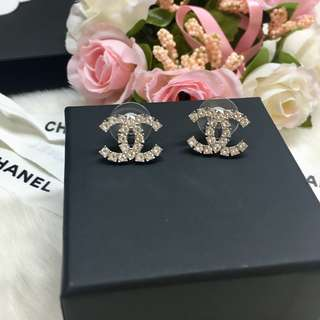 ❣️New Chanel CC crystal earrings