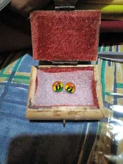 Small treasure box with free earrings