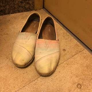 🚚 Toms 平底休閒鞋