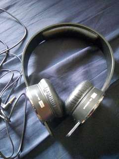 Sol Republic Headphone