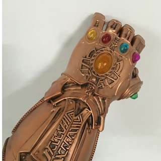 Marvel Infinity Gauntlet Thanos Avengers Custom Mod Manufactured with LED Infinity Stones