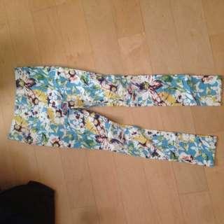 🚚 女生花卉彈性窄褲