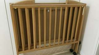 Cot with mattress, in good condition