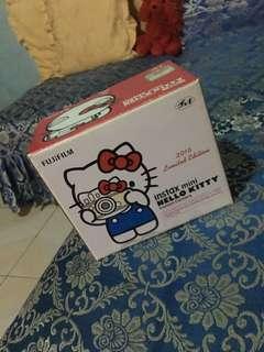 instax mini (hello kitty limited edition)