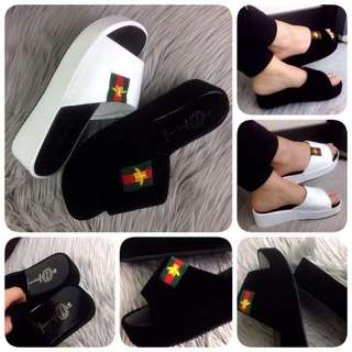 Fashion Embroidered Bee Casually Sandals A15-1