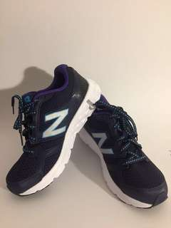 New Balance Running Shoes (Size 6)