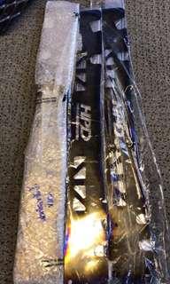 Toyota Hilux Vigo radiator cover titanium original?