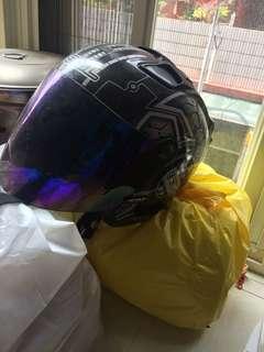 兩頂安全帽今天交易特價一千