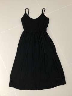 Hollyhoque black midi dress