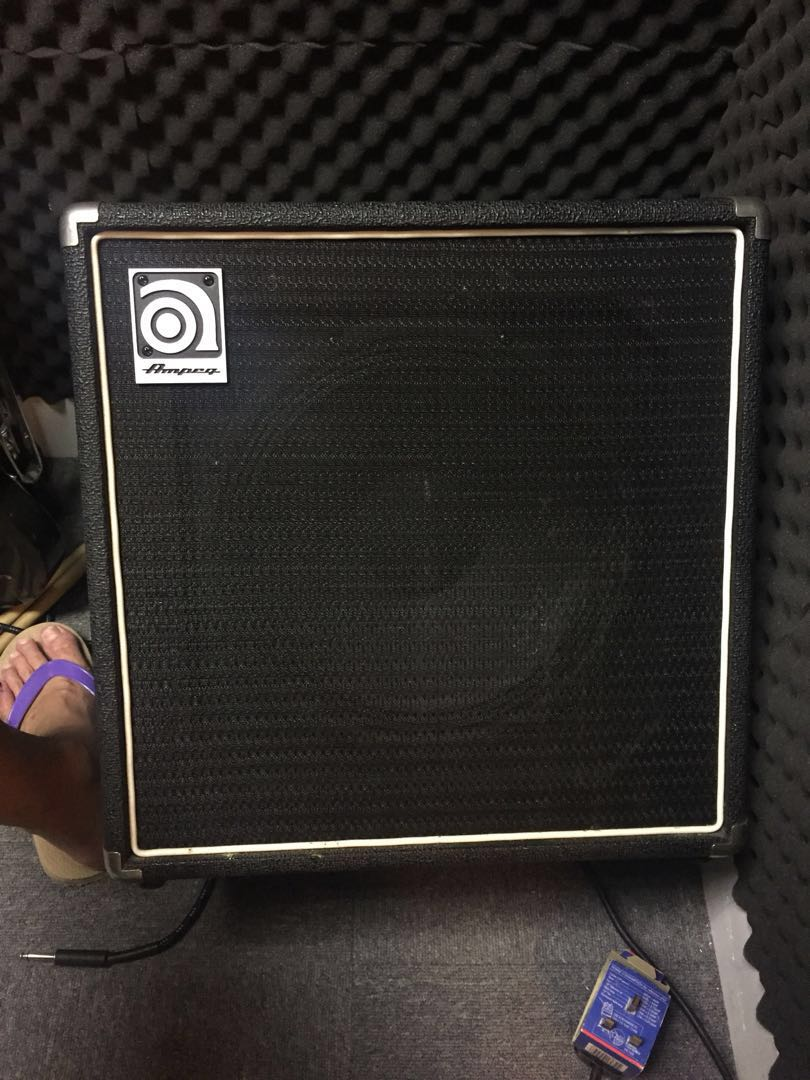 Ampeg BA-112 bass amp 50watt/ only few times used