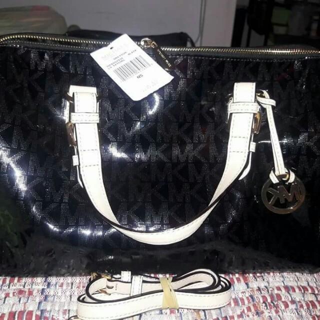 b3e67414f229 auth)Michael Kors Grayson satchel (black patent) bag
