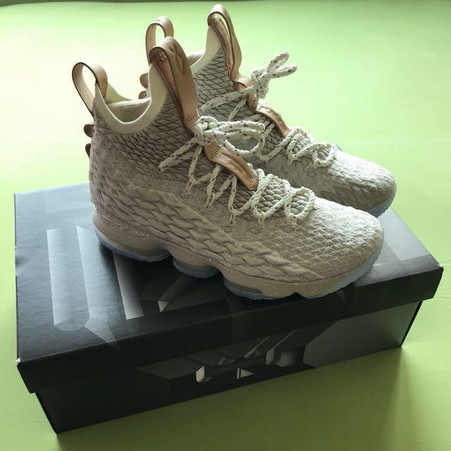 low priced 67617 b56f8 Nike lebron XV 15 Ghost US 8