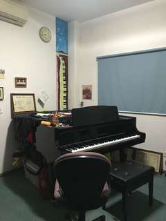 Individual piano lessons for children @ West Coast