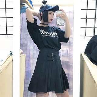 🚚 棋盤格造型中性短t/做舊造型中性遮陽帽/側邊雙釦造型百褶裙