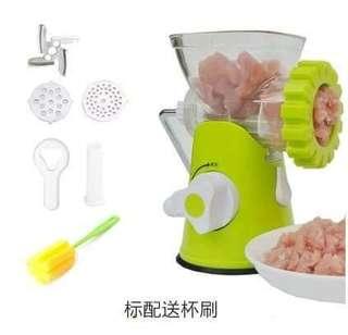🏵#絞肉機#🏵$690 🏵#方便實用的絞肉機,廚房方便,想做出香噴噴滷肉使用這台方便,可馬上絞出QQ肉來唷,超方便ㄡ使用🏵 🏵#標配送杯刷#🏵