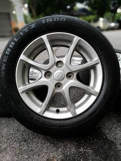 Original myvi ikon 14 inch sports rim tyre 70%. *jual mora mora jual*