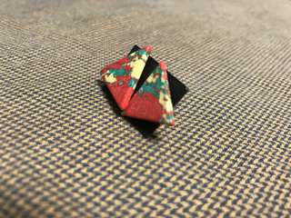 三角仿大理石紅色耳環