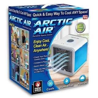 Arctic Air cooler TV usb充電迷你便攜式冷氣機 / 備註: 加冰水或冰效果更佳 / 產品尺寸:16*16*17cm / 顏色: 灰白色 / 貨號: PPCE-迷你冷氣機 HK$130 (1部)