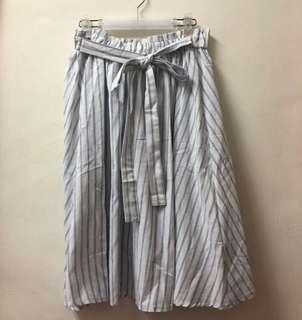 🚚 全新🌸eyescream藍白條紋綁帶中長裙