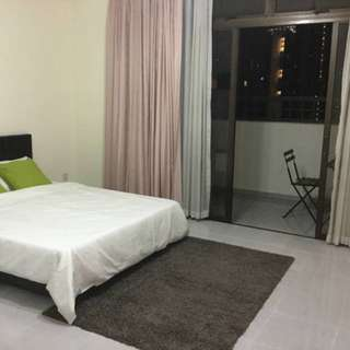 10 Min walk to Orchard MRT, attached BIG balcony to enjoy unblocked night view of CBD!!!
