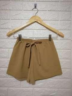 Plain brown crepe cute candy shorts