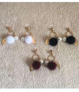 Lea Pompom Earrings
