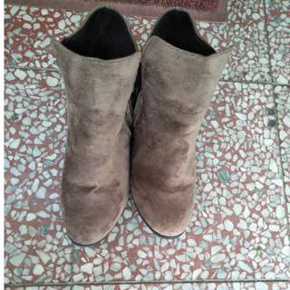 🚚 咖啡色流蘇短靴