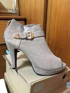 🚚 高跟裸靴👠