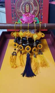 特雕沉香葫芦与小铃挂件