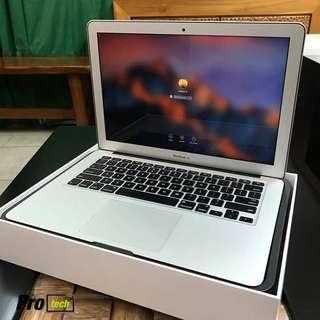 MacBook Air (13-inch, Early 2015) 8GB RAM, 128GB SSD