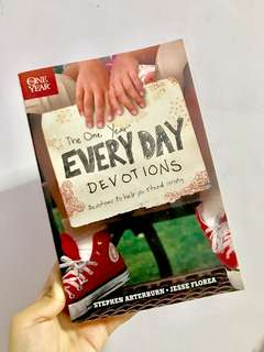 The One Year Every Day Devotions to help you stand strong (Christian Book)