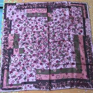 LV vintage 粉色滿幅logo 絲巾 頸巾