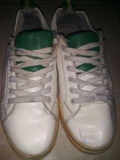 Sepatu Sport
