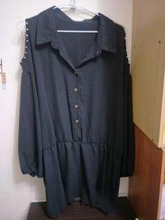 大尺碼-挖肩黑色上衣
