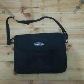Deuter messenger bag full black original