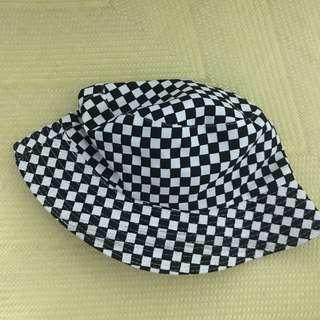 黑白格子漁夫帽