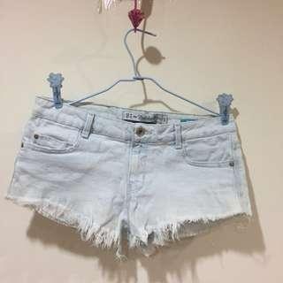 🚚 zara 淺色刷色牛仔短褲  #五十元好物