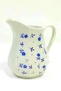 J&G meakin milk jug