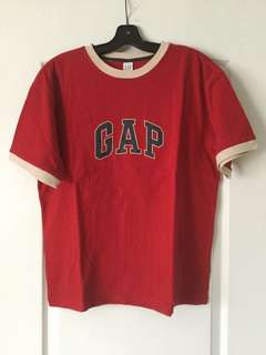 Red gap crew-neck t-shirt xxl/ 14-16 Boys BN never worn !