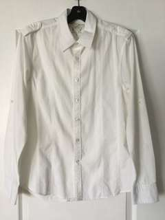 Guess white slim fit dress shirt. Size small. EUC