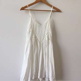 GYPSY REPUBLIC || size 10 white festival dress