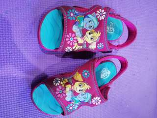 Paw patrol payless sandals size:9 fits 3 yrs old