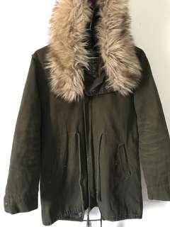 🚚 軍綠色長版外套